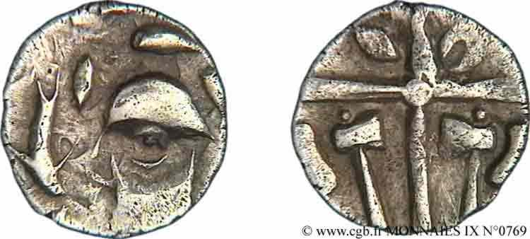 N° v09_0769 Drachme à la tête cubiste aux haches affrontées - c. 121-52 AC.